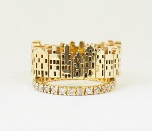 Ring geelgouden grachtenpanden met alliancering met diamant